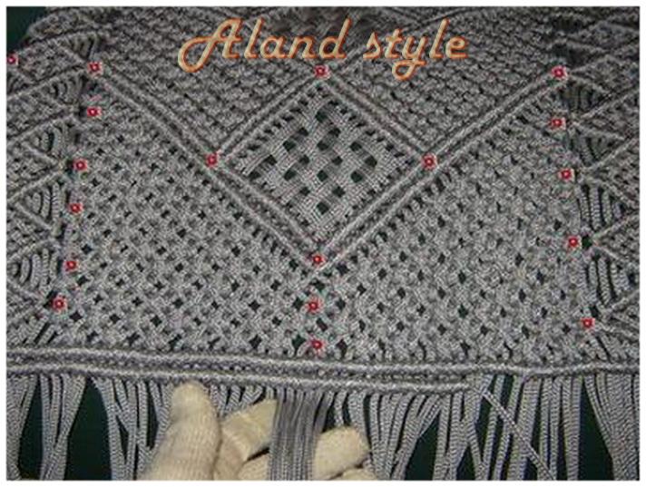 Плетение накидки в перчатках