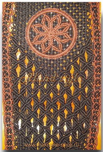 Узор плетеных накидок с эмблемой Алатырь