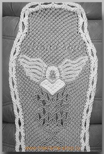 Узор плетеных накидок с эмблемой Белый орел