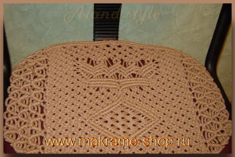Плетеный коврик на сиденье